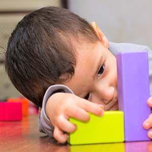 Un estudio encontró una conexión entre la vacunación y el autismo.