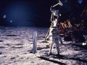 Vuelos apolo: seres de la Luna ordenaron que nos alejemos 0