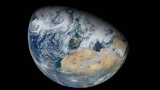 Medidor de mareas 0 relación entre la luna y los terremotos