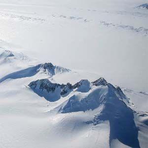 El estudiante Max Van Wyk de Vries, encontró 91 volcanes en la Antártida