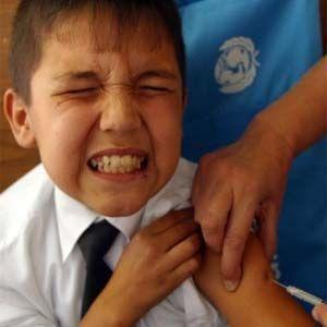 Las vacunas obligatorias están mezcladas con productos químicos peligrosos