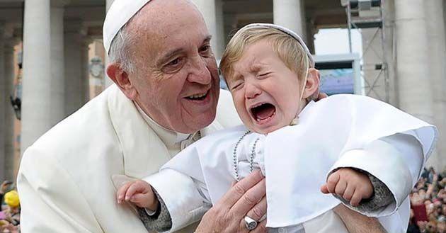 El Papa Francisco absuelve a Sacerdotes abusadores: les ordena que recen 3 Avemaría 1