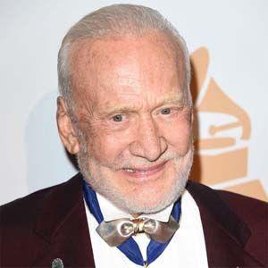 La investigación reveló que Buzz Aldrin fue testigo de un OVNI