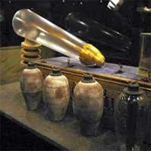 Se han descubierto extraños dispositivos en muchos sitios antiguos en Egipto