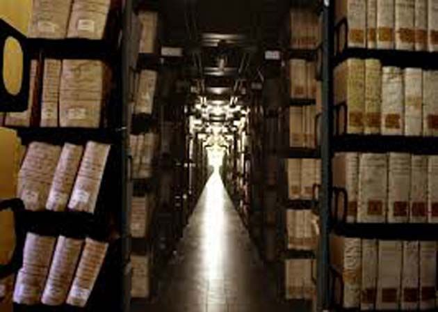Tickets Vaticano: Compuesto por 3 millas de pasillos de estanterías