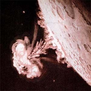 Armas Nucleares: extraterrestres impidieron detonararlas en la Luna