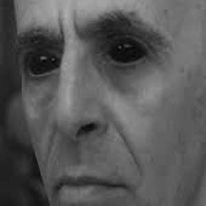 Muerte: un tipo nuevo de encuentro aterrador con adultos de ojos negros