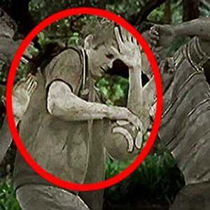 s7: soldados convertidos en piedra por alienígenas
