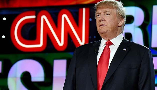 """Trump ha llamado a CNN """"noticias falsas"""" varias veces en Twitter"""