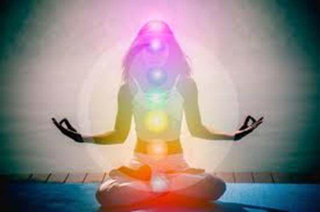Kundalini Yoga: revierte la ansiedad y el estrés en tan solo tres minutos