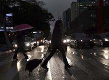 Vuelos a sao paulo: se sumió en la oscuridad a mitad del día del lunes