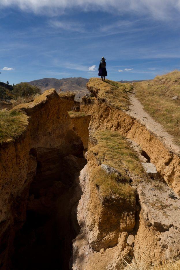 Cusco: un gran deslizamiento provocó la destrucción de 100 casas