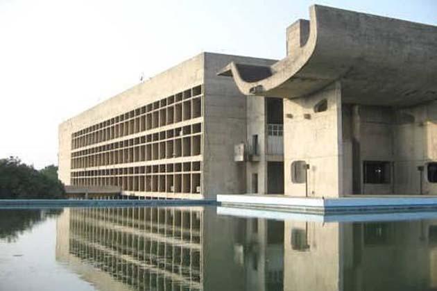 Monos 0 se apoderaron de edificios del gobierno en la India