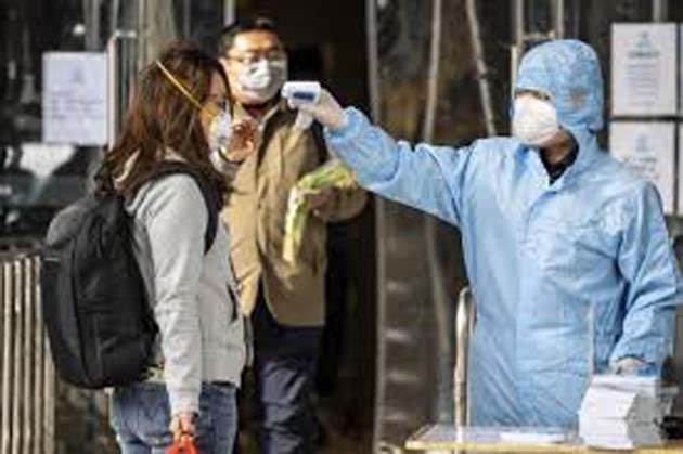 Estornudo: el coronavirus puede alcanzar más de 2 metros