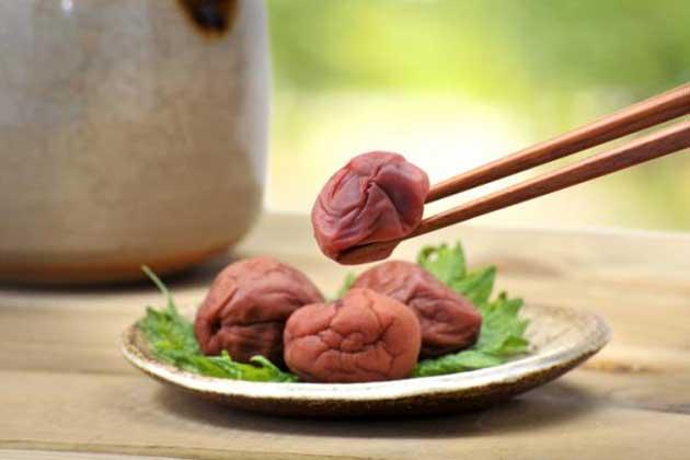 00 Ciruela japonesa: protección contra el hígado graso 00